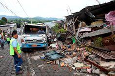 Presidente de Ecuador reporta 233 muertos por terremoto | El Puntero