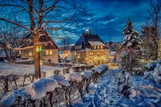 rathaus seiffen Dream Pictures, Cabin, Snow, In This Moment, Mansions, House Styles, Winter, Outdoor, Decor