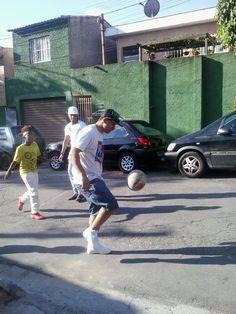 Futebol com os primos...
