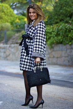Oh My Looks by Silvia- Abrigo Vikna #patadegallo #houndstooth #abrigo #abrigopatadegallo #aw15 #modaotoño #modainvierno #otoñoinvierno2015 #autumnfashion #coat #houndstoothcoat #black&white www.rosalitamcgee.com