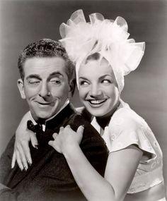 Atriz e cantora, Carmem Miranda fez fama internacional, participando de vários filmes em Holywood.