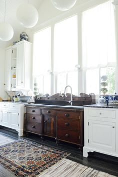 Modern Kitchen Design How To Use Vintage Furniture in Unexpected Ways New Kitchen, Kitchen Dining, Kitchen Sinks, Vintage Kitchen Sink, Dresser In Kitchen, Kitchen Ideas, Eclectic Kitchen, Kitchen Rustic, Dresser Sink