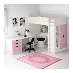 Je kan het bureau parallel aan het bed monteren, haaks op het bed of completeren met 2 ADILS poten als je het vrijstaand wilt hebben.