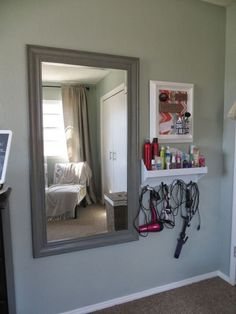 New bath room organization closet organizing ideas small spaces ideas Cheap Home Decor, Diy Home Decor, Decor Crafts, Vanity Room, Vanity Area, Diy Vanity, Small Bedroom Vanity, Vanity Set Up, Corner Vanity