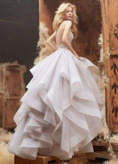 Beautiful tulle wedding dress