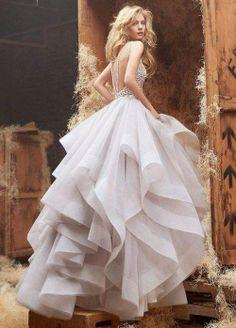 Beautiful tulle wedding dress