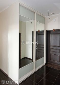 зеркальный-шкаф-купе-для-прихожей-151