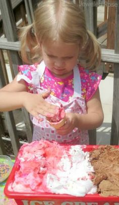 Make an amazing ice cream dough for kids using frozen shaving cream and a few other common ingredients.  This frozen ice cream dough feels & looks like real ice cream and it even MELTS!  So fun!