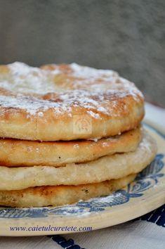 Romanian Food, Romanian Recipes, Jacque Pepin, Strudel, Beignets, Desert Recipes, Delish, Bakery, Easy Meals