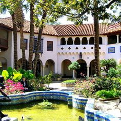 Explore 10 top #museums with a San Antonio local.