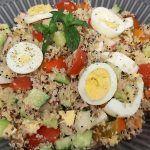 Σαλάτα με τρίχρομη κινόα Cobb Salad, Salads, Recipes, Food, Essen, Meals, Ripped Recipes, Yemek, Salad