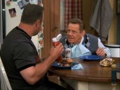 One of the best sitcoms ever! This is one of my favorite scenes! Arthur's Katsup - King of Queens
