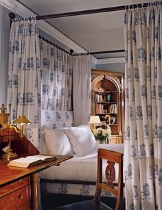 Bernard Wharton Reconstructs a Luxe New York Apartment in the Sherry-Netherland Bernard Wharton Reconstructs a Luxe New York Apartment in the Sherry-Netherland Katrine Classic Interiors Blue and white bedroom with nbsp hellip White Bedroom, Dream Bedroom, Master Bedroom, White Canopy, Traditional Bedroom, Home And Deco, Beautiful Bedrooms, Chinoiserie, Bedroom Decor