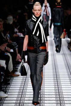 Balenciaga Fall 2015 Ready-to-Wear Fashion Show: Complete Collection - Style.com
