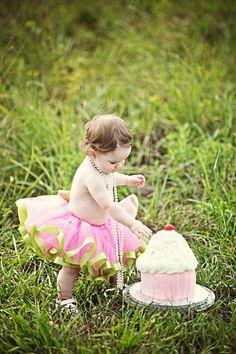 1 year old smash cake photo shoot!
