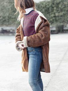 Zoe Karssen striped sweater, On You jeans with LYCRA EXTRA LIFE.  Inspiration for shearling coats. Winter Coat. Ugg mini booties, waterproof & big scarf.  samivida-fashion-blogger-san-sebastian-it's-wonderful-life-coat-look-05-07