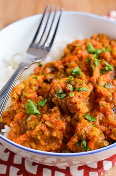 Slimming Eats Fruity Chicken Curry - gluten free, dairy free, paleo, Slimming World and Weight Watchers friendly Healthy Eating Recipes, Healthy Dishes, Savoury Dishes, Healthy Chicken Recipes, Baby Food Recipes, Indian Food Recipes, Chicken Recepies, Food Baby, Whole30 Recipes