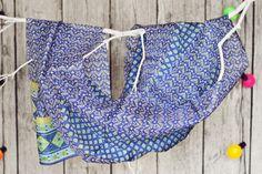 Silk scarves from India - large selection of designs - perfect for gift / Seidentücher aus Indien - große Auswahl an Designs - ideal für Geschenk #boho #bohostreetwear #silk #design #girl #perfectgift #geschenk #ethno #hippie #bohemian #seidenschal #orient