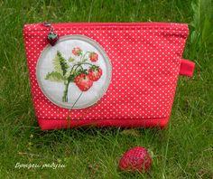 """Märchenhaftes Sticken: """"Erdbeeren"""""""