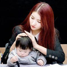 Sowon is like a mom.