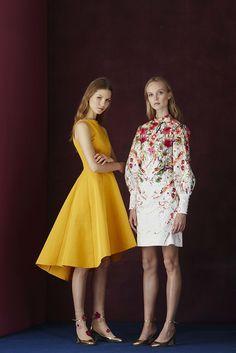 The complete Lela Rose Pre-Fall 2017 fashion show now on Vogue Runway. Lela Rose, Fashion 2017, Fashion News, Fashion Dresses, Winter Bridesmaid Dresses, Royal Clothing, Vogue, Yellow Fashion, Fashion Show Collection