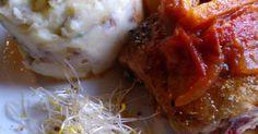 Fabulosa receta para Pollo a la portuguesa con puré ahumado. Una estupenda combinación de un plato tradicional como es el pollo a la portuguesa, acompañado con el puré ahumado.