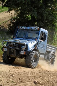 unimog club. Couch off road.