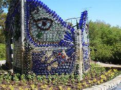 Free stock photo: Butterfly Garden Art, Garden Art - Free Image on . Garden Images, Garden Photos, Mosaic Garden, Glass Garden, Recycled Garden Art, Sun Wall Decor, Luxembourg Gardens, Junk Art, Outdoor Sculpture