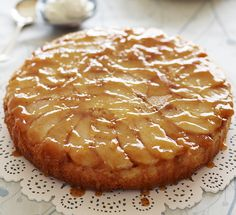 SPICED PEAR AND FRANGIPANE CAKE. Fill your home with the gorgeous smell of juicy pears, cinnamon and almonds. Delicious! Find more cakes and bakes at housebeautiful.co.uk