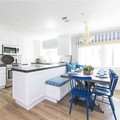 Kitchen Peninsula with Built In Dining Bench - Cottage - Kitchen Kitchen Banquette, Kitchen Nook, Kitchen Decor, Kitchen Ideas, Best Kitchen Layout, Kitchen Design Open, White Cottage Kitchens, Home Kitchens, Windsor Dining Chairs