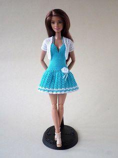 Small Crochet Gifts, Cute Crochet, Beautiful Crochet, Barbie Clothes Patterns, Crochet Barbie Clothes, Clothing Patterns, Handmade Dresses, Barbie Dress, Fashion Dolls