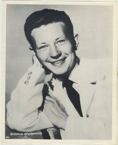 Donald O'Connor circa 1954 Star Pictures Paper Premium Photo X Old Movie Stars, Classic Movie Stars, Classic Films, Old Hollywood Stars, Classic Hollywood, Donald O'connor, Singing In The Rain, Fred Astaire, Star Pictures
