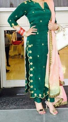 Upada silk Punjabi Suit Neck Designs, Patiala Suit Designs, Neck Designs For Suits, Kurta Neck Design, Salwar Designs, Kurti Designs Party Wear, Designs For Dresses, Bridal Suits Punjabi, Punjabi Suits Party Wear