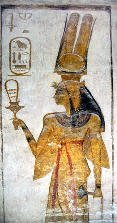 La música siempre ha desempeñado un papel importante en la vida de los egipcios. En la antigüedad las familias ricas tenían sus propias compañías de músicos y bailarines, cuya función era hacer más…