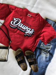 UGA DAWGS - It's game day in Georgia! Love this retro tee from Image One. Show your team spirt by showing your love for the DAWGS! Don't forget the Birkenstocks and clear bag if you are going to the game. Georgia Bulldogs Shirt, Georgia Shirt, Cheer Shirts, Team Shirts, Senior Class Shirts, School Shirt Designs, School Spirit Shirts, School Spirit Wear, College T Shirts