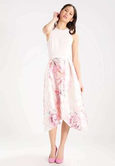 Wicked 130+ Beautiful Floral Dress https://fazhion.co/2017/03/30/130-beautiful-floral-dress/ Winter gloves are designed in accordance with the requirements of the consumer. Besides dresses, these types of boots seem cool with denim skirts too. Cowboy boots are not only for cowboys and they're seen throughout the ramp. Check The Details at https://fazhion.co/2017/03/30/130-beautiful-floral-dress/