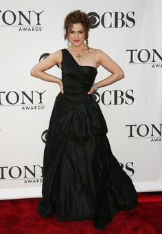 Bernadette Peters stuck with a classic red carpet color -- black -- at the 2006 Tony Awards but opte. The Goodbye Girl, Black One Shoulder Dress, Bernadette Peters, Strapless Dress Formal, Formal Dresses, Red Carpet Fashion, Formal Wear, I Dress, Her Hair