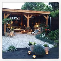 21 BOHEMIAN GARDEN IDEAS When you are decorating your home, then you might come across many different themes and styles. One of the most famous themes among the lot is Bohemian. It is a theme that looks beautiful in a garden. Unique Gardens, Back Gardens, Backyard Patio, Backyard Landscaping, Backyard Ideas, Landscaping Ideas, Porch Ideas, Patio Ideas, Outdoor Living