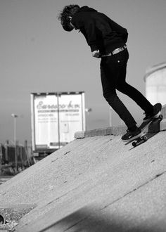 Skate Man, Skate Surf, Skates, Bufoni, Skate Photos, Skate And Destroy, Estilo Grunge, Boy Photography Poses, Skater Boys
