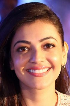 Beautiful Girl Indian, Beautiful Indian Actress, Ileana D'cruz Hot, Face Expressions, Beautiful Smile, Indian Beauty, Indian Actresses, Pretty Woman, Beauty Women