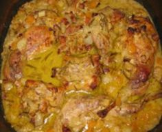Králík na dijonské hořčici, kořenové zelenině a rozmarýnu, s pečenou dýní Top Recipes, Meat Recipes, Food And Drink, Chicken, Straws, Cooking, Cubs