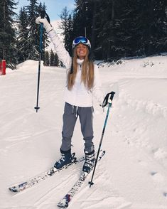 21 Super Cute Ski Outfits For Women Winter Fun, Winter Looks, How To Have Style, Winter Instagram, Snow Pictures, Ski Season, Winter Pictures, Ski And Snowboard, Ski Ski