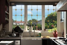 Decorative Window Film for Kitchen and Bath Homemade Kitchen Cleaner, Cleaners Homemade, Sarah Richardson Kitchen, Tuscan Style Homes, Clean My House, Bright Kitchens, Interior Decorating, Interior Design, Window Film