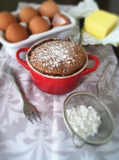 Flourless Nutella Cake <--which means NUTELLA and Gluten Free...Yesssss! :)