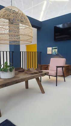 Stoere slagerstafel van oud hout; tafel van WWW.OLD-BASICS.NL op VTwonen & Designbeurs 2016 #oudhout #vintage #industrieel #styling #interior #webshop #oldbasics