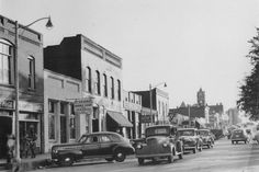 Cars along Broad Street in the Main Street, Street View, Lithia Springs, Rio Vista, Carroll County, Douglas County, Old Images, Co Working, Best Memories