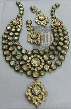 Makes your Heart Droll for this hand crafted uncut Diamonds Polki (jJadau) set from Divine Gems & Jewellery Pvt. Ltd. W: www.divinejewellery.net FB: www.facebook.com/divinegemsandjewellery