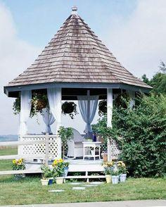 Holz weiße Gartenlaube Dach Holzboden