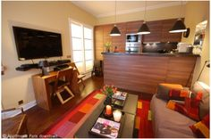 #apartmentsparisdowntown provides furnished room in Paris for rental. You can talk with the owner of the house directly. http://www.apartmentsparisdowntown.com/us/Rental_Apartments_Paris_1-bedroom_Saint-Germain-des-Pres-Musee-d%27Orsay_449.html