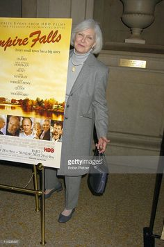 Joanne Woodward during HBO Films 'Empire Falls' New York City Premiere, at Metropolitan Museum of Art in New York City, New York, United States.